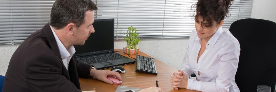 Potrącać należności zpensji pracownika - czypracodawca może tozrobić?